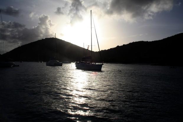 sailboat-in-white-bay